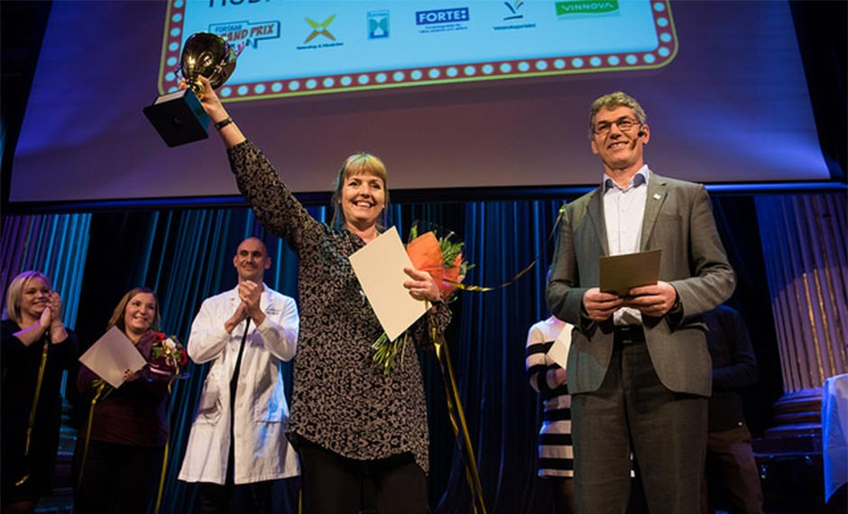 Winner of the 2016 Researchers' Grand Prix, Anita Pettersson, with Sven Stafström, Director General of the Swedish Research Council.